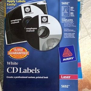 CD LABELS Avery 5692. 40 COUNT